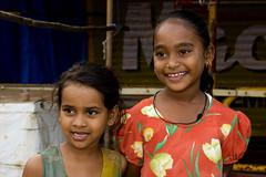 Smiling girls -Terre d'Espoir (Pondspider) Tags: poverty girls india smiling children child goa enfants enfant colva linde pauvret migrantworkers anneroberts annecattrell terredespoir janinegaiddon pondspider charitfranaise