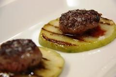 Detalle de las Mini Haburguesas de Waygu con Manzana Verde y Confitura de Manzana con Pimienta Roja