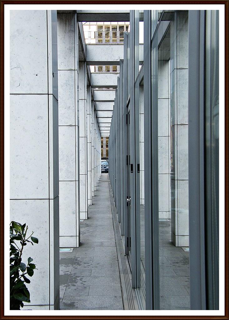 The infinity of hospitality beautifully seen @ The Intercontinental Hotel Frankfurt/Main 03/2010 Enjoy plus more:)