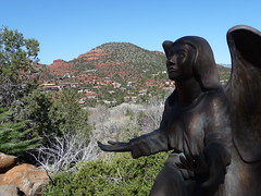 Sedona (Bill on Capitol Hill) Tags: arizona church statue angel sedona az redrocks redrock ariz angelstatue sedonaarizona sedonaaz sedonaredrocks redrockssedona sedonachurch churchoftheredrocks sedonaariz churchofredrocks