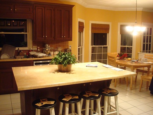 Clean Kitchen Island!