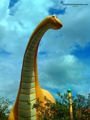 02-18-08_1316-WDW-DAK-brontosaurus