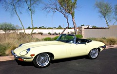 Jaguar E-Type (agup627) Tags: uk trees light arizona england green cars grass car yellow automobile view britain united side spokes kingdom convertible chrome e type vehicle jag british scottsdale jaguar bushes coupe xke etype xk carscoffee carsandcoffee