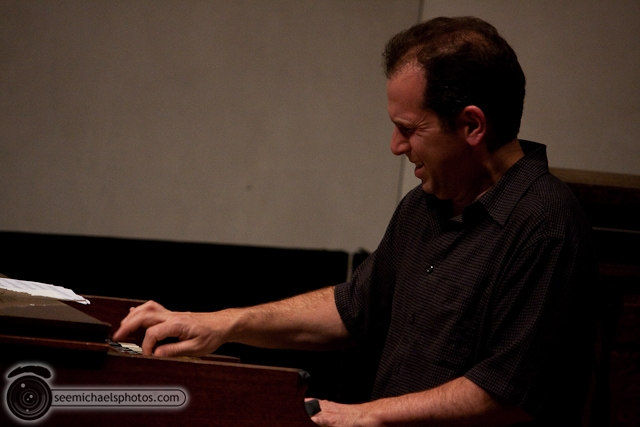 Anthony Wilson Trio at Neurosciences Institute 41410 © Michael Klayman-047