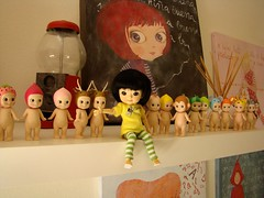 Hey mom! didn't know i had so many friends around here! (Vainilladolly) Tags: paris momo doll chan blythe custom fbl mui fiep ixtee muichan vainilladolly mayacomes