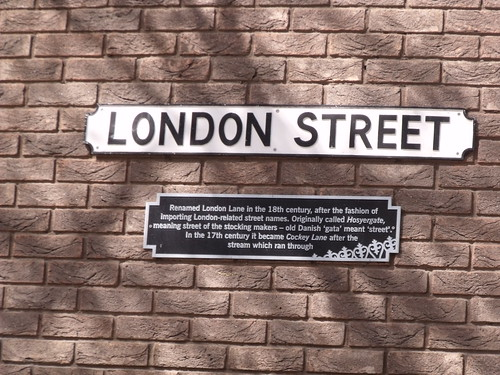 London Street - Norwich road sign and history
