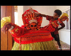 Vishnumoorthi (sreeji..) Tags: color art festival photography photo god photos kerala kavu theyyam sreejith kannur sreeji taliparamba inapp vishnumoorthi puthiyedath    kenoth