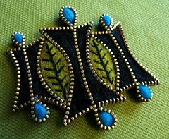 Felt and zipper leaf brooch (woolly  fabulous) Tags: black green wool pin recycled brooch felt retro zipper ecofriendly