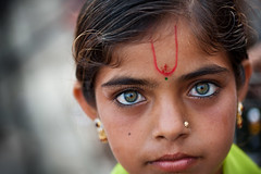 Eyes, Dwarka (Marji Lang) Tags: travel portrait india color colour travelling eye colors girl beautiful beauty closeup canon photography kid eyes colorful child sweet gorgeous indian oeil yeux greeneyes ojos portraiture littlegirl lovely hindu hinduism enfant fille indien bharat gujarat tikka inde ind  hindouisme travelphotography dwarka   gujarati hindou hindustan  travelshots  canonef2470 5dmarkii natgeofacesoftheworld canon5dmii bhratganarjya  marjilang