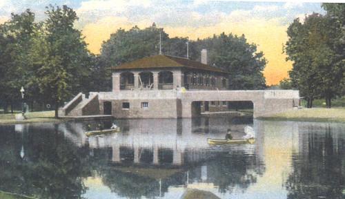 Humboldt boathouse-pavilion1910