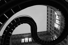 Endlose Treppe bei KPMG (onur.yilmaz) Tags: building architecture modern stairs canon germany munich münchen geotagged spiral outdoors bayern deutschland bavaria arquitectura europe stair geometry nopeople treppe escalera staircase dna architektur alemania curve kpmg muenchen eliasson escaleras gebaeude mimari architectura treppen diss olafur 慕尼黑 avrupa symmetrie monacodibaviera münih kurvig almanya t2i canonefs1855mmf3556is staircaises canoneos550d kissx4