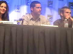 sat2 _5__0016 (TextualDeviance) Tags: 2004 lost comiccon dominicmonaghan matthewfox damonlindelof