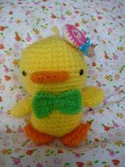 Dnde est mi paletita? (SandiMin) Tags: orange cute verde green yellow duck amarillo pato kawaii knitted amigurumi naranja lollypop paleta