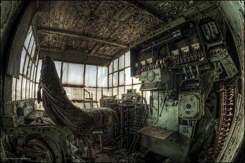 shipyard crane operator cabin