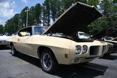 1970 Pontiac GTO (osubuckialum) Tags: cars car nc buick gm muscle cream northcarolina cadillac pontiac gto 1970 70 cary carshow musclecar olds oldsmobile 2010 generalmotors hendrick