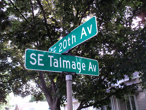SE Talmage Ave & SE 20th Ave