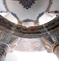 2010 istanbul 599 (ebruzenesen - esengül) Tags: church hat architecture turkey türkiye istanbul mosque camii mezartaşı kilise cankurtaran bizans kadırga tarihiyapı hazire bezeme ebruzenesen küçükayasofyacami sutulmbası
