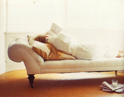 chaise reading