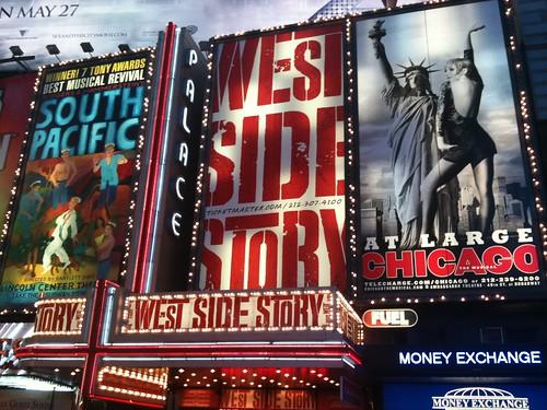Los musicales del momento se anuncian en Times Square