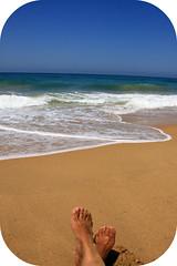 Veranito rico!! (olga sin nick) Tags: trafalgar playa pies cadiz orilla veranitorico ligeramentecaidoespoco