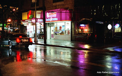 Dunkin' Donuts (Rafakoy) Tags: road street city light ny newyork color colour cars wet colors car rain night subway 50mm lights photo colours pavement minoltax700 queens epson v600 avenue woodside perfection fujisuperia400 minoltarokkor50mmf17 epsonv600 epsonperfectionv600 aldorafaelaltamirano rafaelaltamirano aldoraltamirano