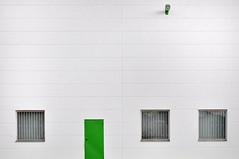 .,.. (Heidelknips) Tags: door green lamp minimal weinheim d90