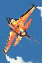 """Up and Over..!!"" (PhoenixFlyer2008) Tags: dutch tattoo demo google military air neil images airshow f16 heat bates burner viper riat j015 rnethaf"