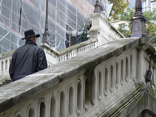 Monsieur au chapeau.jpg