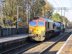Silver Street - RHTT (SP Railways) Tags: uk west train track diesel head rail railway 66 class line british locomotive railways anglia treatment silverstreet rhtt 66043