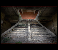 Usine 1919 ~ La Bouche (@fotovi) Tags: urban texture stairs factory decay exploring drama hdr usine urbex ivoverbuggen2010