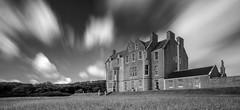 Trumland House (Femme Peintre) Tags: trumlandhouse orkneyinseln schottland castle schloss wolken langzeitbelichtung schwarzweis outdoor