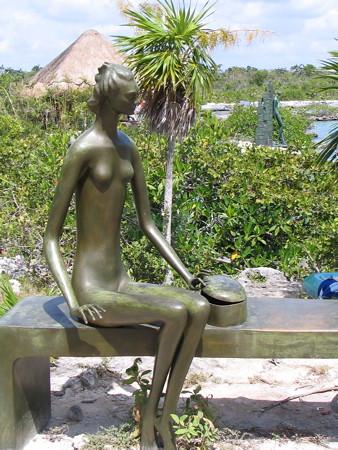 Yal Ku lagoon sculpture