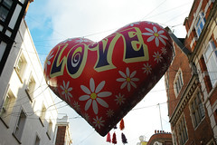 Day 17 (tekstur) Tags: street london love me make person balloon days carnaby to 100 better a 100daystomakemeabetterpersonproject