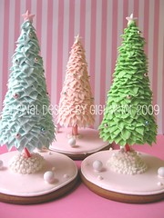 (Pinks & Needles (used to be Gigi & Big Red)) Tags: christmas tree art mushrooms this star design do cookie please chocolate gingerbread polkadots gifts marshmallow kawaii icing dots edible copy 2009 wilton gumdrops molasses hoilday timeconsuming royalicing not gigiminor pinksandneedles pinksneedles decoarted myfrostedwindow 3dcookie