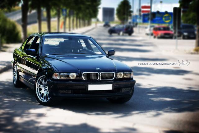 car stockholm bokeh sony wheels 7 ia bmw bbs serie 19961997 750 bromma a700 sal50m28 sony50mmf28macro fäljar outsidecarlsberg bmw750ia