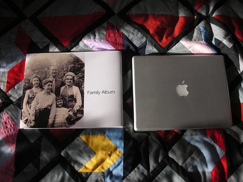 Apple iPhoto Book . Family Album