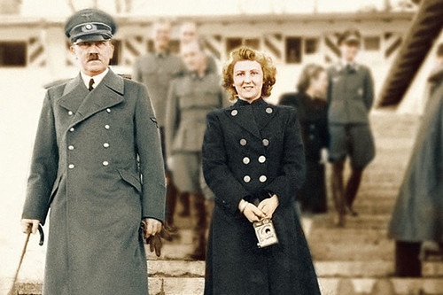 00762926-photo-eva-braun-aux-cotes-d-hitler