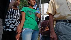 Guerrilla (Fabio Calamosca) Tags: street people sri lanka kandy mondo avventure lankamale