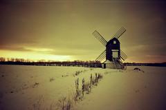 Pitstone, Lomo & redscale (alt) (slimmer_jimmer) Tags: winter sunset sky sun snow clouds lomolca vignette hertfordshire pitstone pitstonewindmill redscale redscaledfujisuperior400