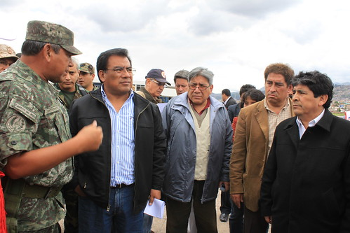 Premier Javier Velásquez Quesquén inspecciona las zonas del desastre en Cusco