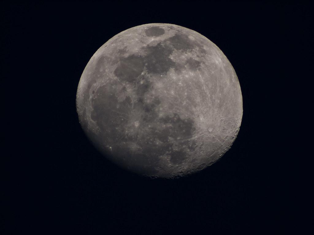 4 Moon Shots At 500 700 And 1000mm Pentaxforums Com