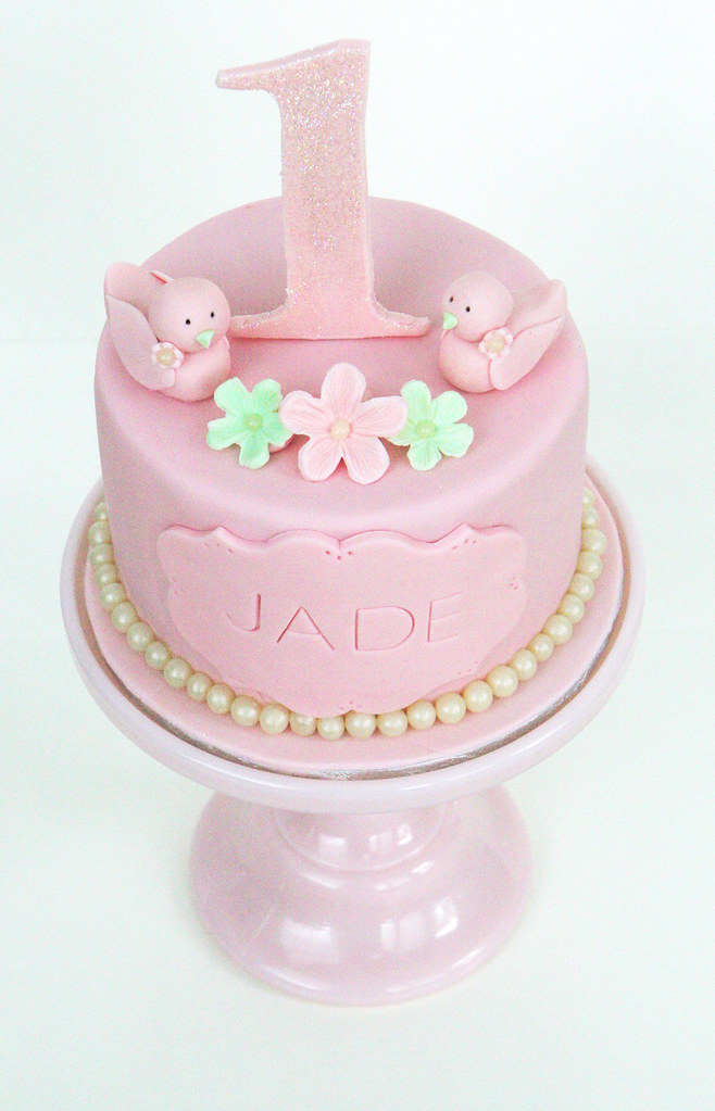 Labels: 1st Birthday cake, girls