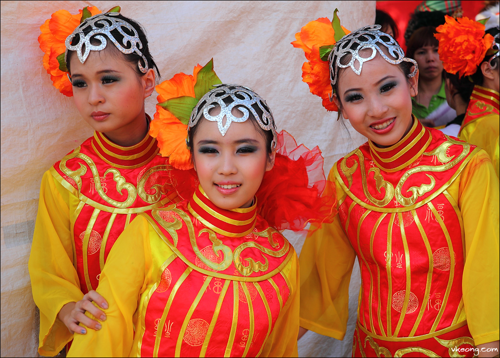 chinese-dancers