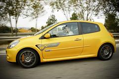 Renault Clio Sport F1 Team (Albert Arranz) Tags: barcelona cup car sport yellow canon puerto team d fast clio f1 racing renault montaa 450 brembo tramo