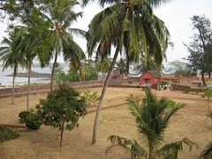 The Courtyard on the Sea (tpms5) Tags: india kerala malabar openeyes kannur cannanore malabarmagazine charmingcountries
