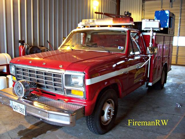 "ford picnik ""firetruck"""