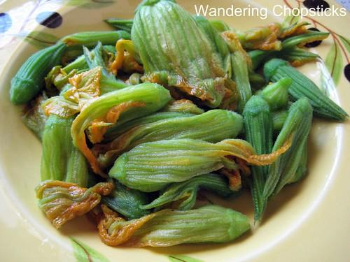 Bong Bi Xao (Vietnamese Sauteed Squash Blossoms)