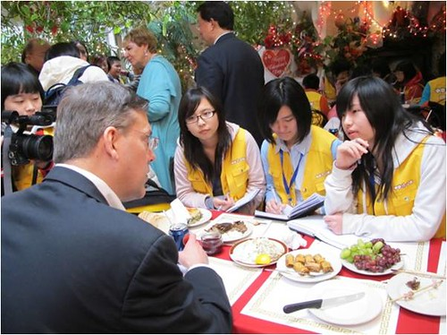 This editor was pleased to  meet such enthusiastic budding Chinese journalists.