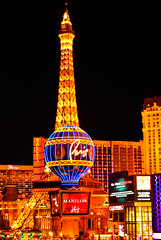 Paris Las Vegas hotel - Eiffel Tower (jcnikon) Tags: road new york trip las vegas craps paris tower sign sphinx hotel nikon ride nevada casino strip insanity bellagio fabulous luxor mgm caesars lv excalibur stratosphere d80 nikond80