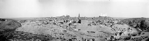 Vista General de Toledo en 1907 desde el Valle. Fotografías de Petit montadas por cortesía de José María Moreno